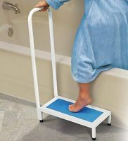 Non-Slip Bath Step With Handle