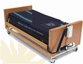 Low air loss mattresses
