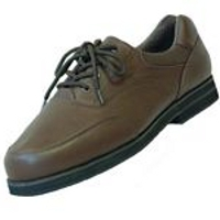 Men's footwear with extra depth