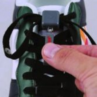 Equipment to fasten footwear and lace locks
