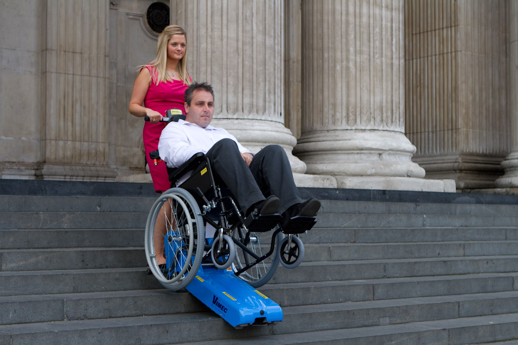 T09 Wheelchair Carrying Stairclimber