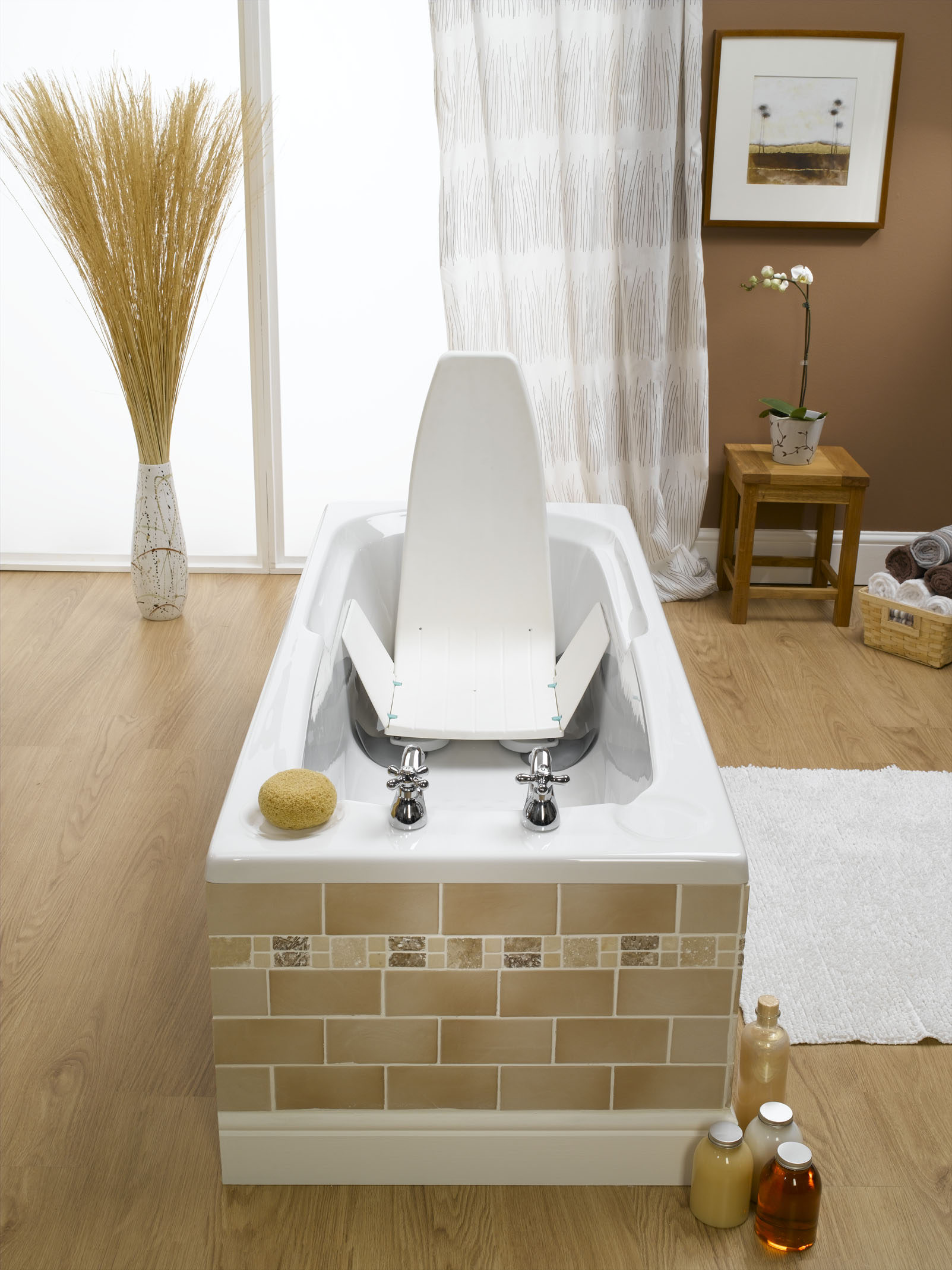 Neptune Bath Lift - Living made easy