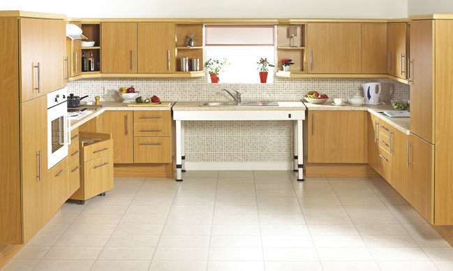 Akw medicare worcester kitchen range for Kitchen design for wheelchair user