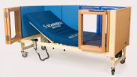 Image of Impression Cot With Plexiglas-bar Bifold Doors